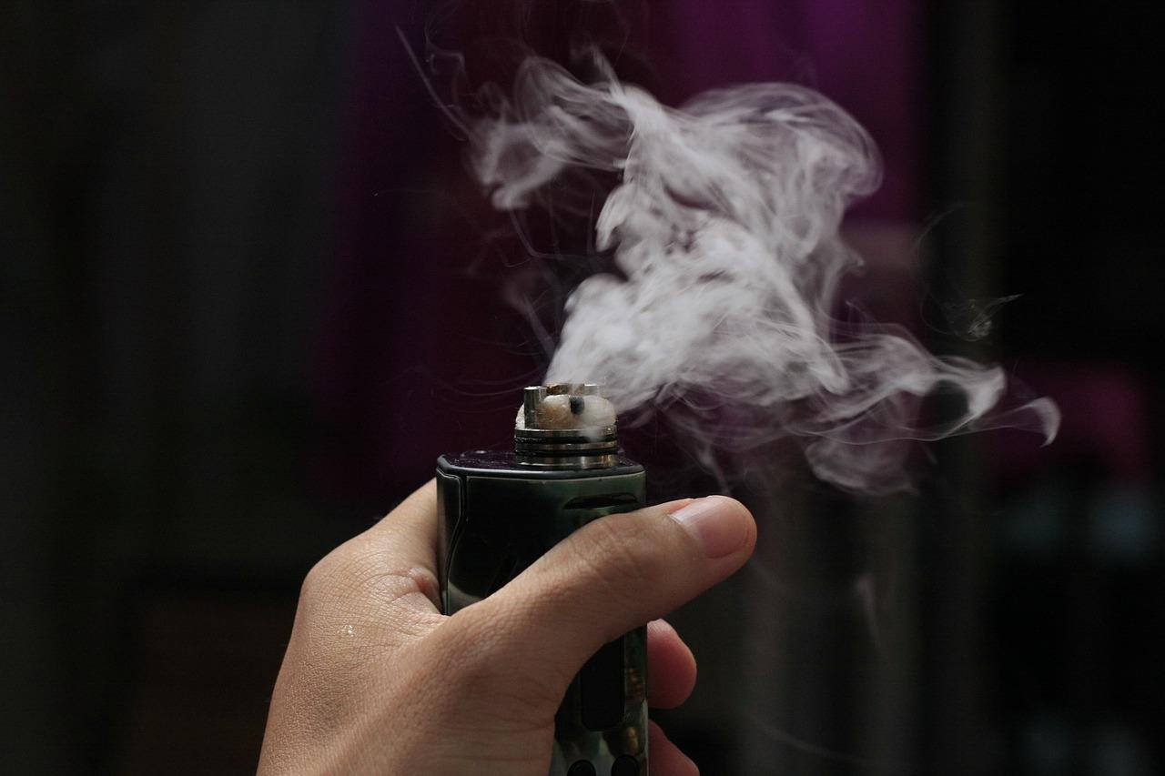 Электронные сигареты стали популярной— ине вполне понятно, насколько безопасной— альтернативой обычным.