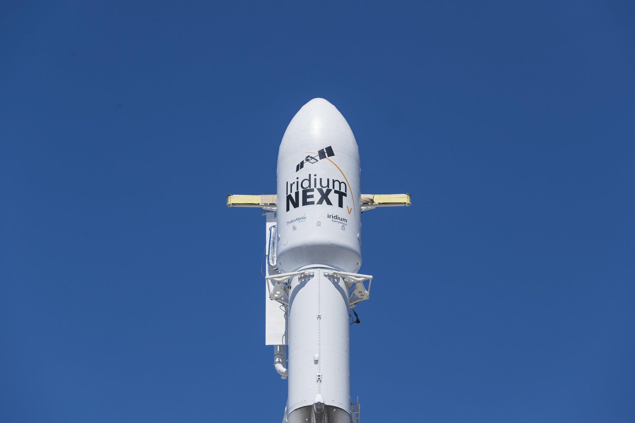 Falcon 9 со спутниками Iridium NEXT наборту готов кпуску.