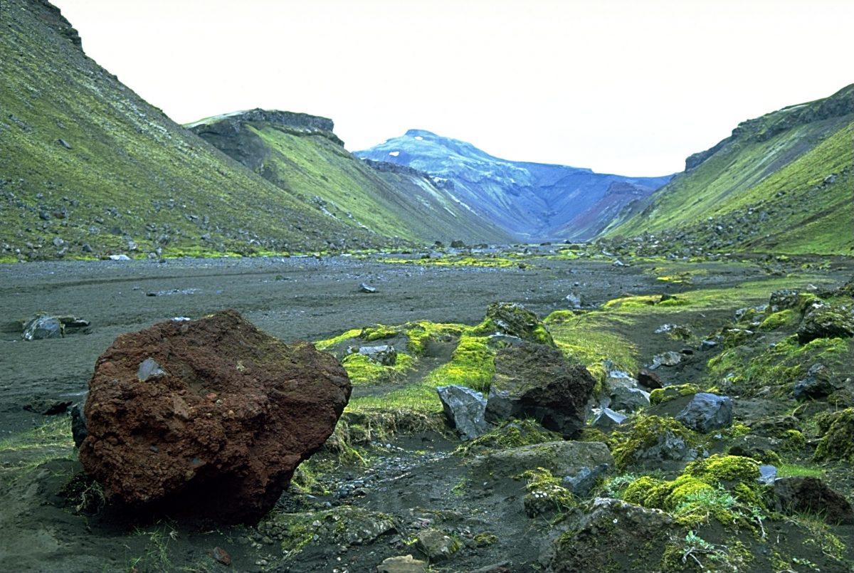 Вулкан Эльдгьяу, вероятно, сыгравший важную роль вхристианизации Исландии.