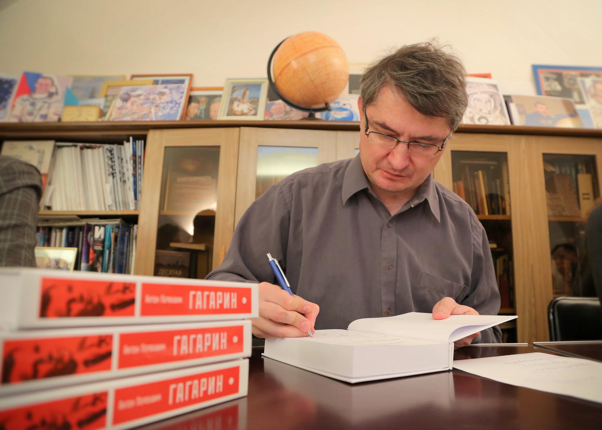 Писатель, научный журналист, историк космонавтики Антон Иванович Первушин.
