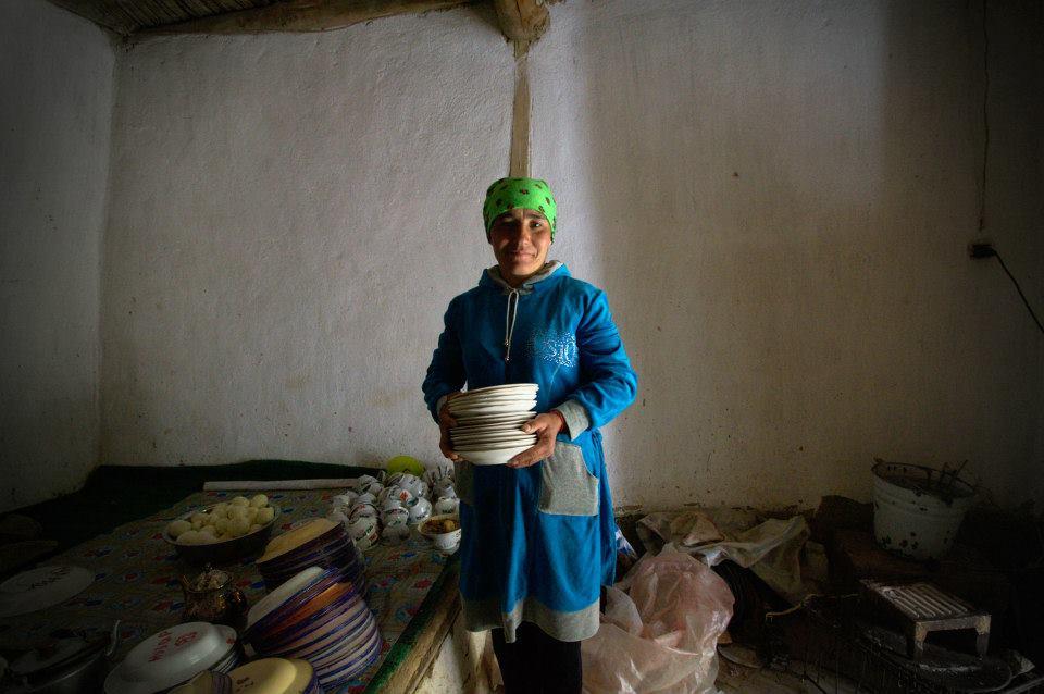 Подготовка свадьбы памирцев— жителей кишлака струдовыми мигрантами всемье