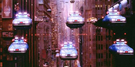 """Летающие машины из фильма """"Пятый элемент""""."""