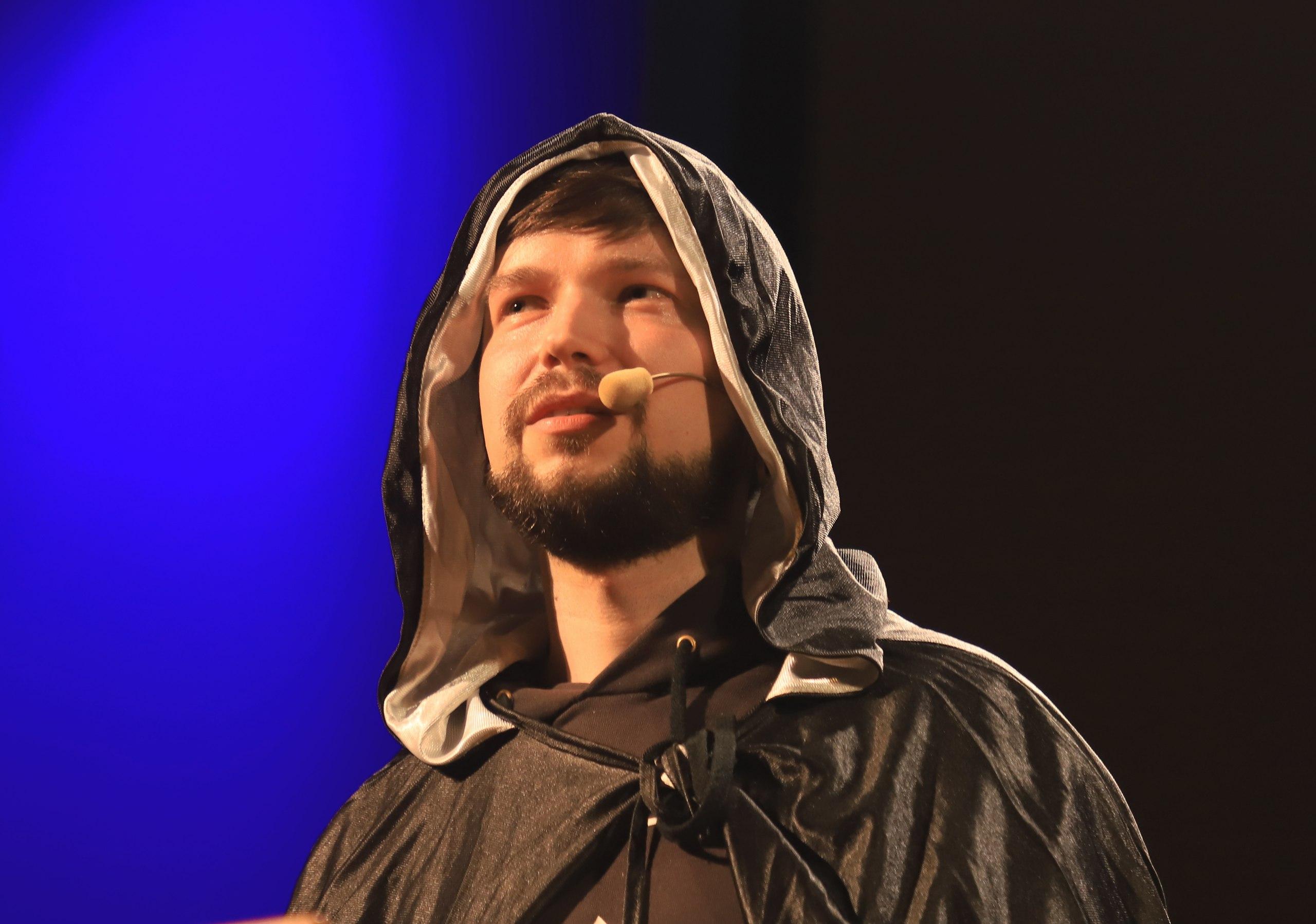 Олег Фея срывает мистические покровы сквантовой физики. || Фото G.R. Photo