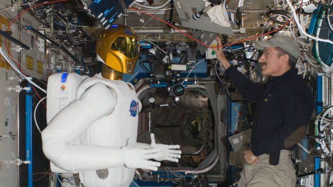 https://ru.wikipedia.org/wiki/SpaceX_CRS-8