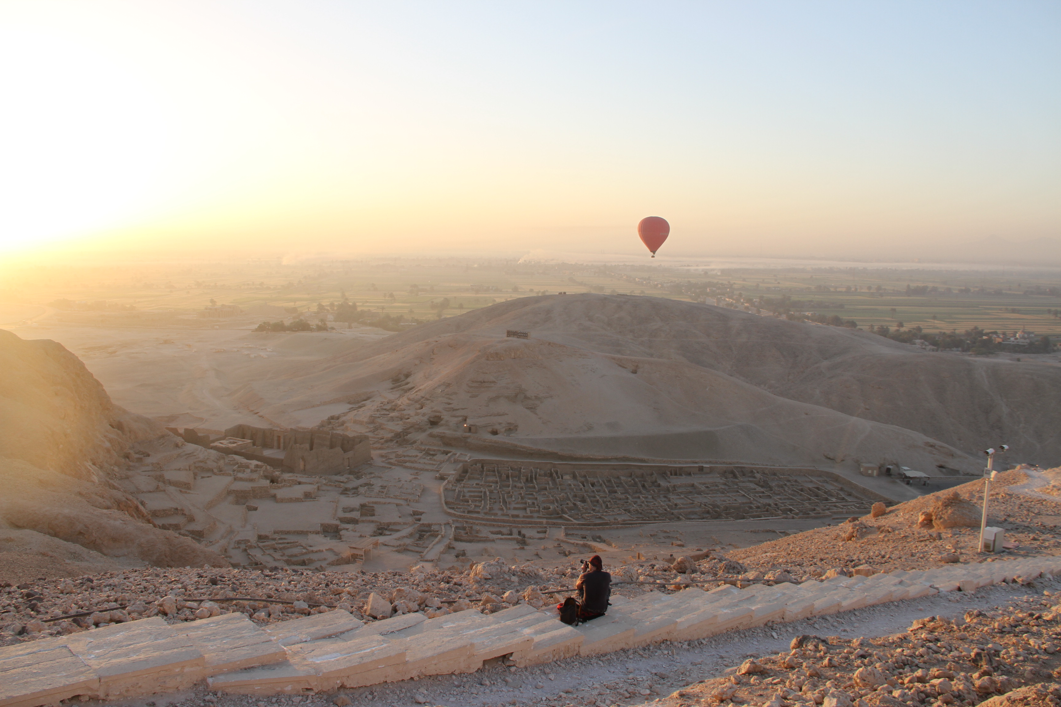 Вид наДейр эль-Медина