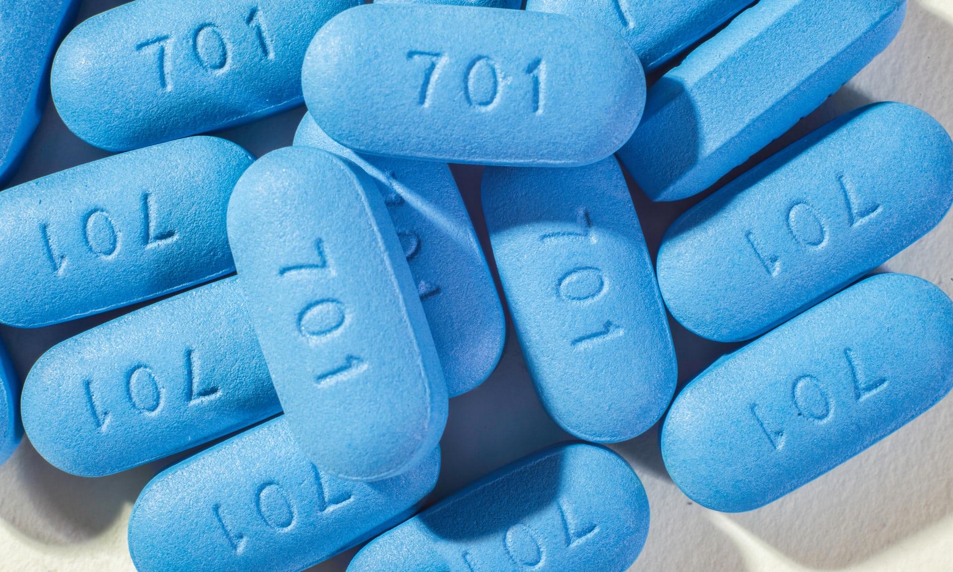 Таблетки Трувада (Truvada), препарата, достоверно снижающего риск заражения ВИЧ-инфекцией.