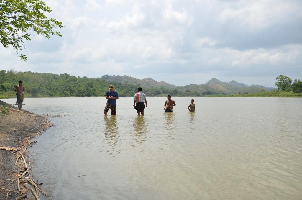 Участок реки Каладан вМьянме, где живут пресноводные моллюски-бурильщики.