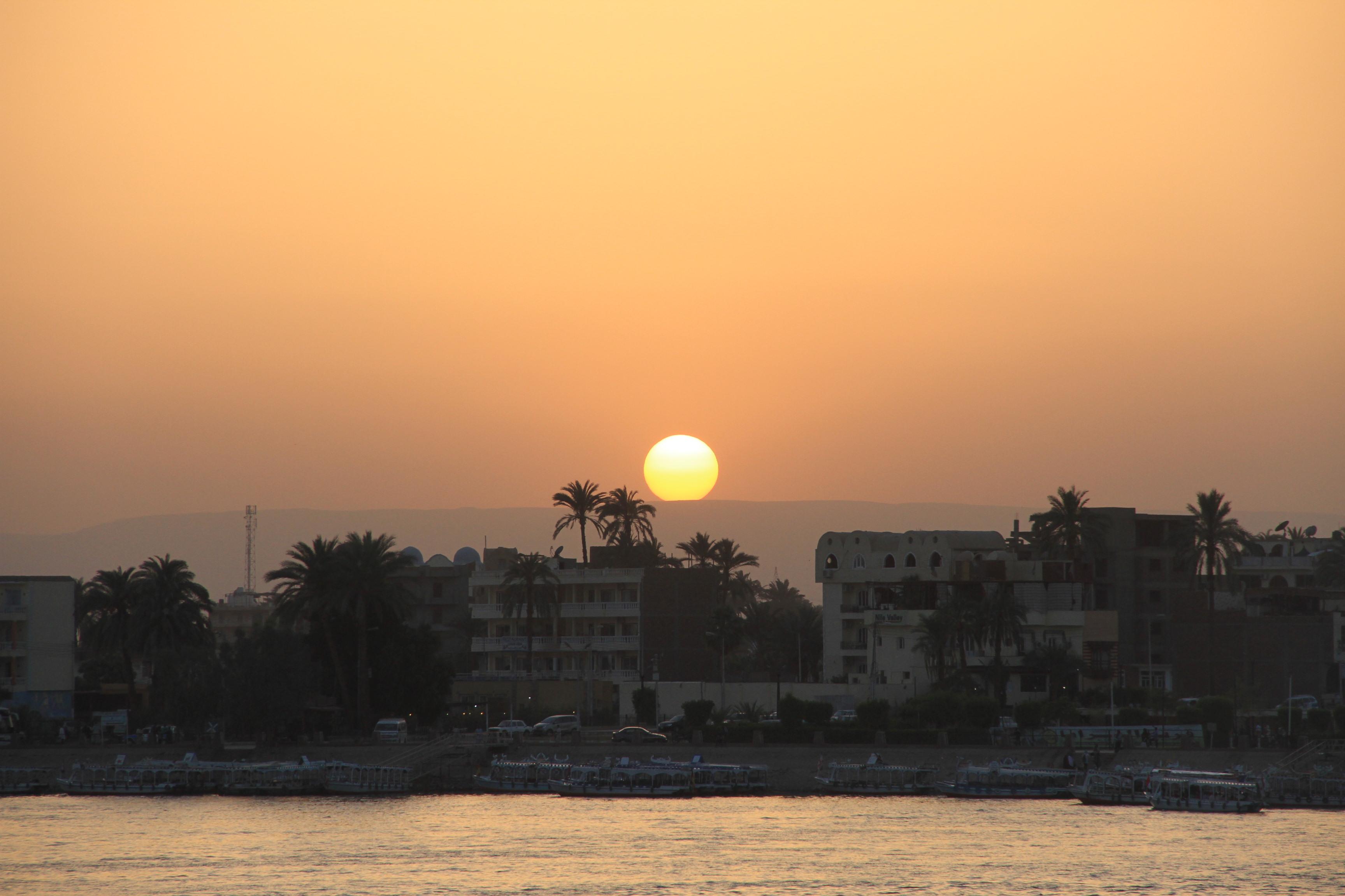 Закат над Нилом