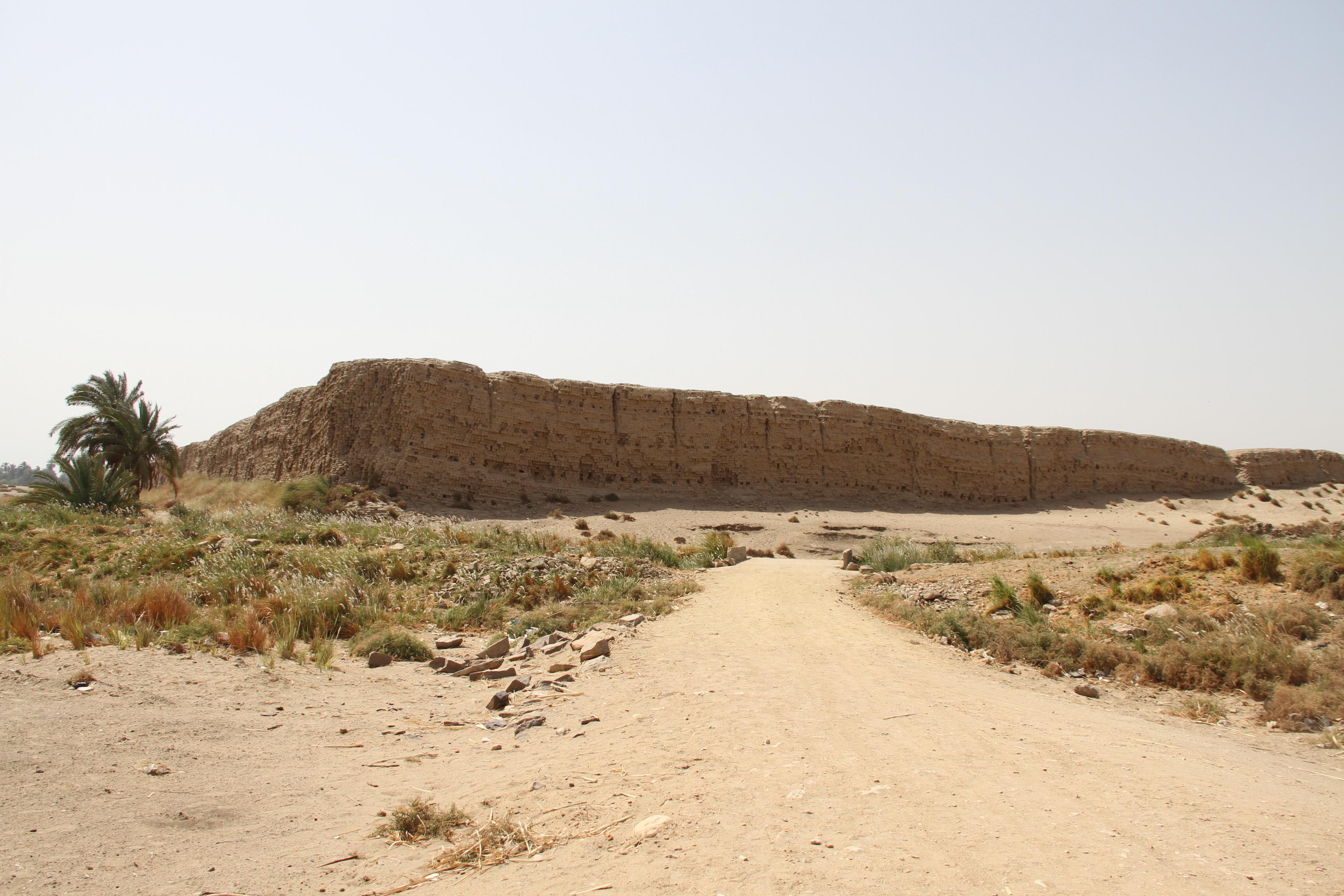 Вид наНехеб (Эль-Каб)