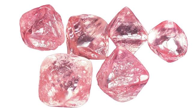 В глубинах Земли, скорее всего, больше алмазов, чем мы думали.