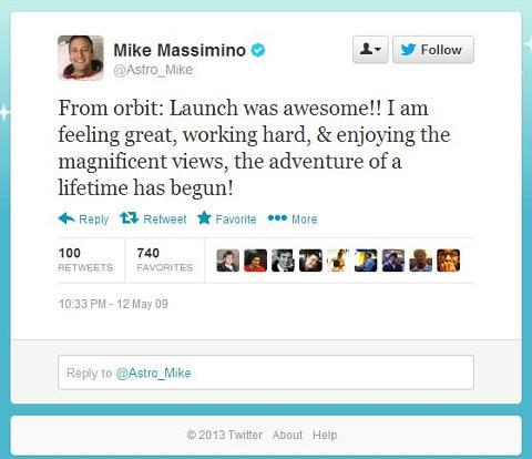 Первый твит из космоса: «Докладываю сорбиты: обалденный запуск!! Чувствую себя прекрасно, усердно работаю инаслаждаюсь прекрасными видами, началось приключение всей моей жизни!»