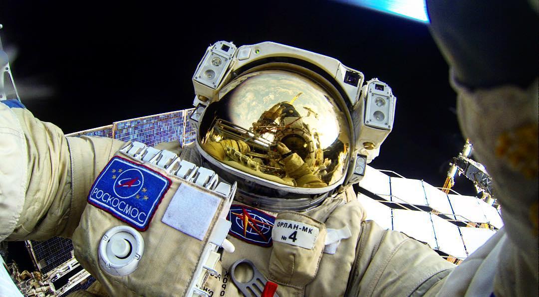 «Космоселфи» Юрия Маленченко. || Фото: instagram.com/volkov_iss