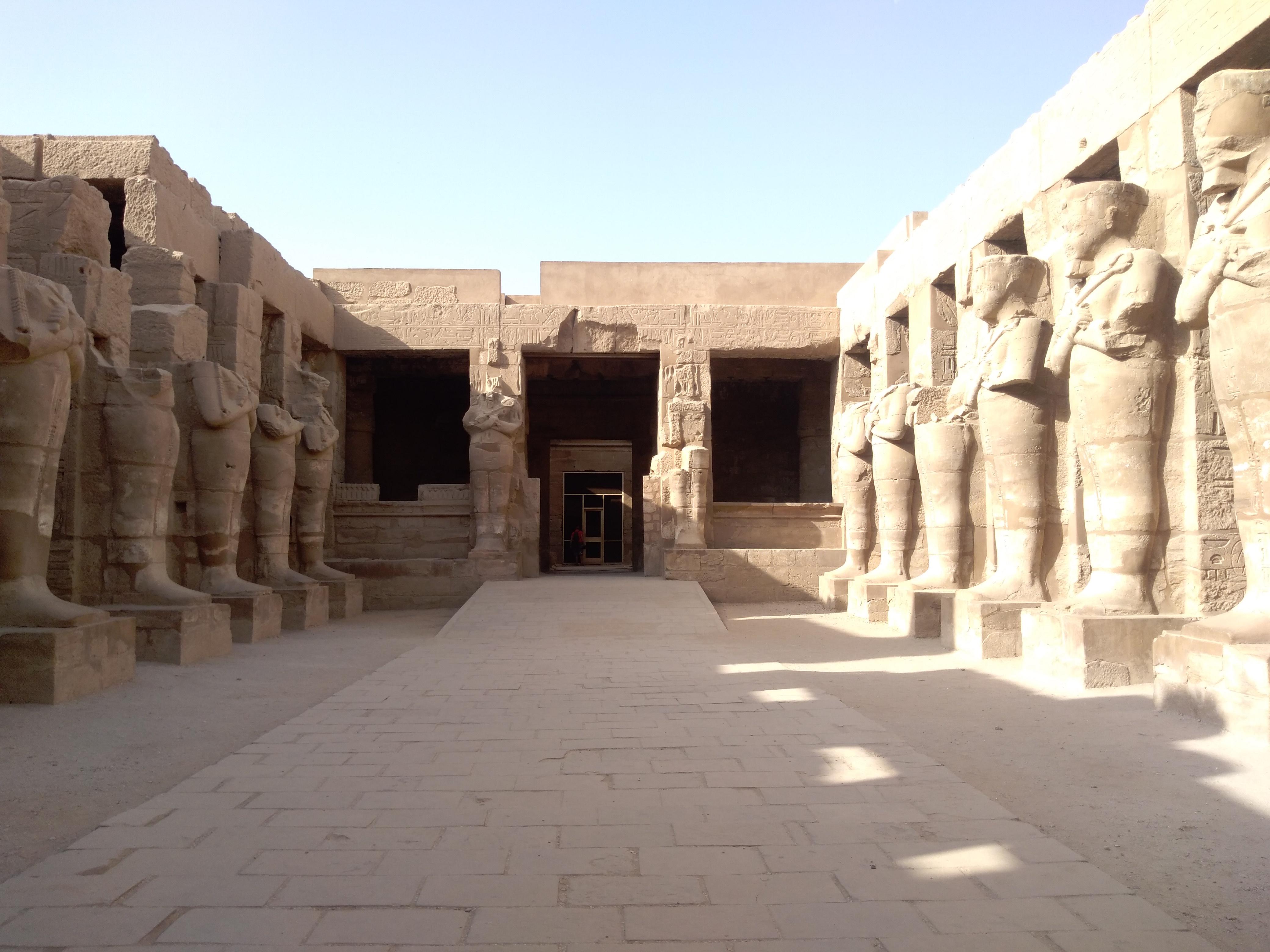Храм Рамсеса III вКарнаке