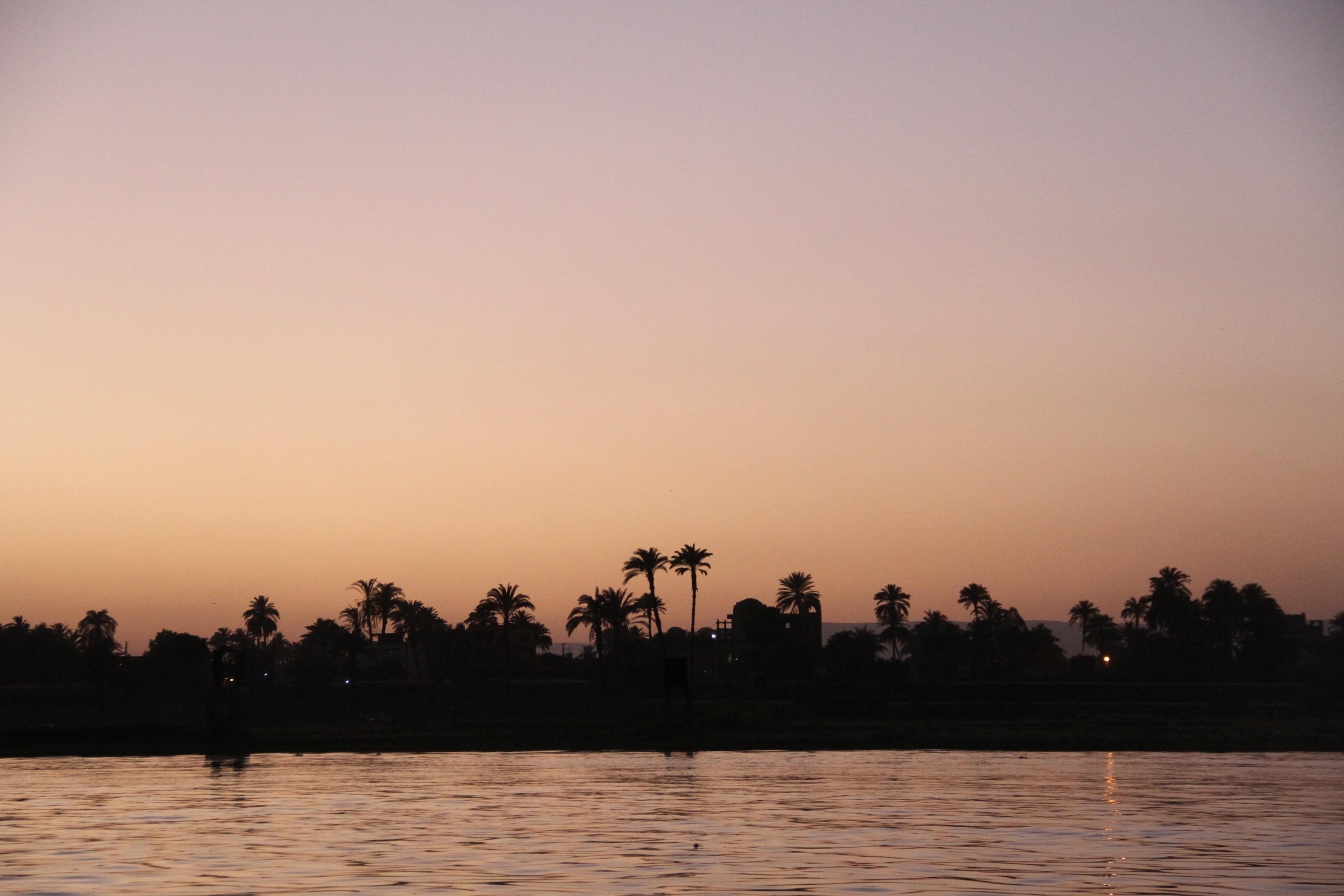 Луксор. Западный берег Нила. Вечер