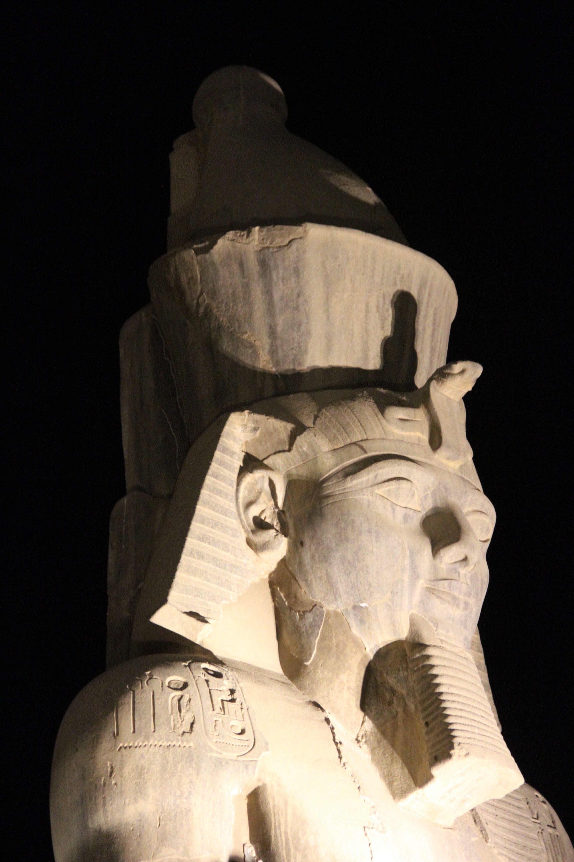 Голова статуи Рамсеса II. Луксорский храм
