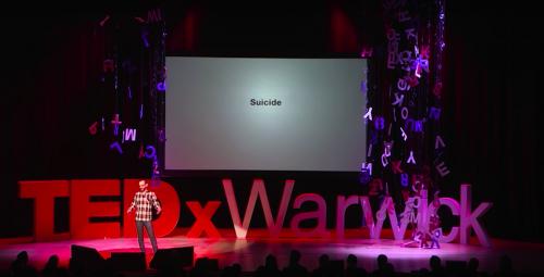 Сет рассказывает окорреляции между частотой запросов наTEDx, связанных ссуицидом, иреальным количеством самоубийств вгороде Уорик.