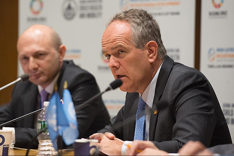 Этьен Круг, руководитель департамента неинфекционных заболеваний ВОЗ.