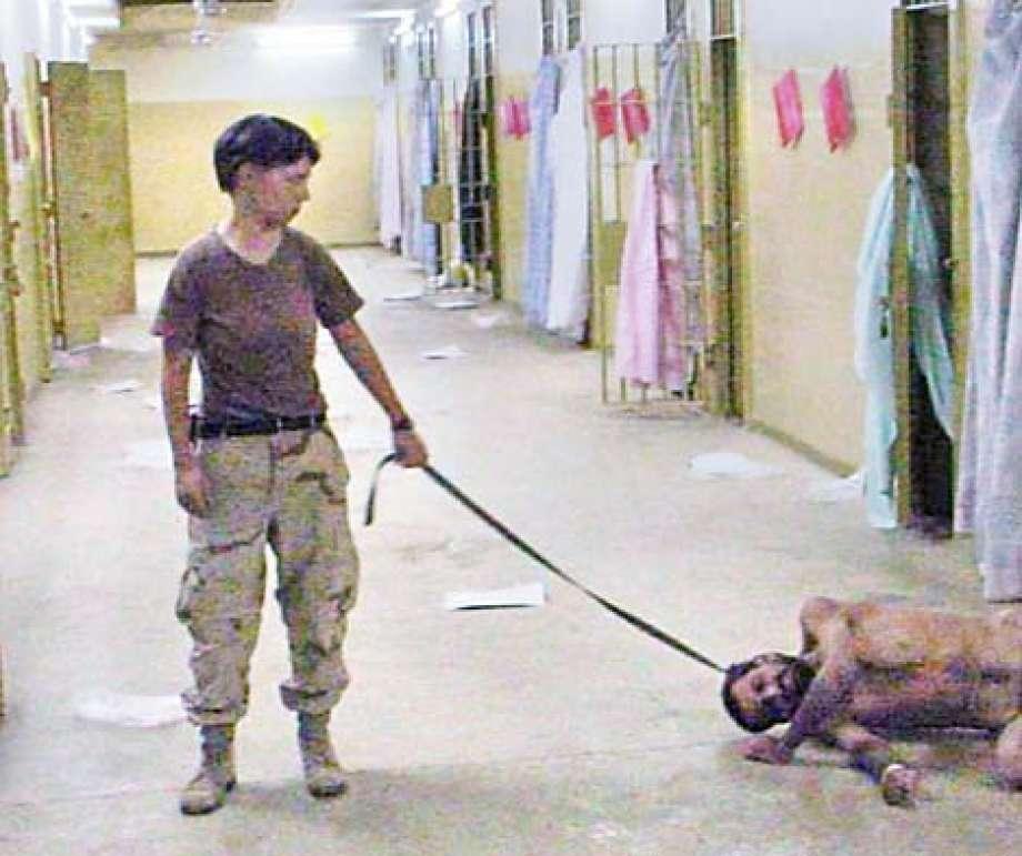 Линди Ингланд втюрьме Абу-Грейб.