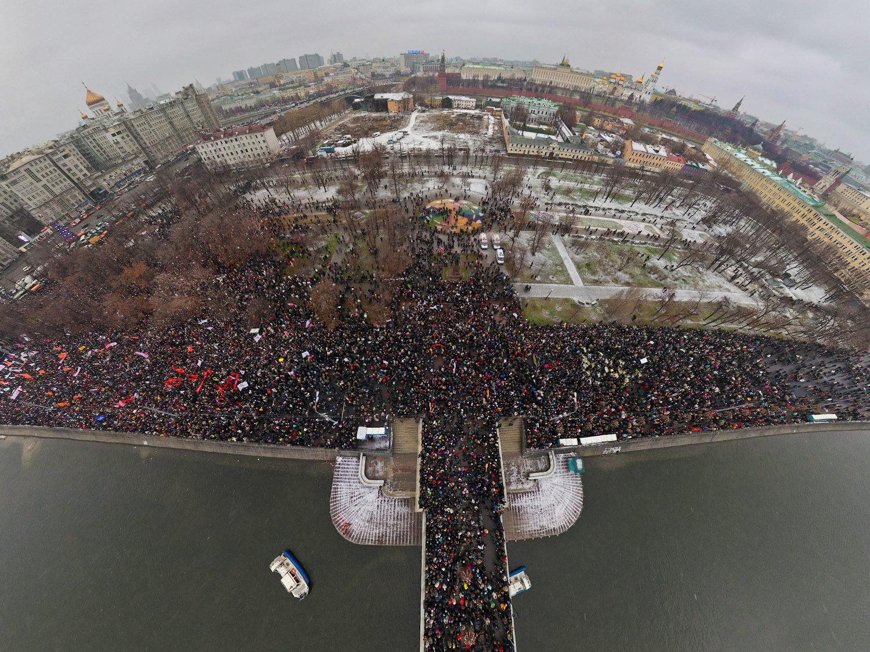 Митинг наБолотной площади вМоскве, 2011 год, съёмка сдрона.