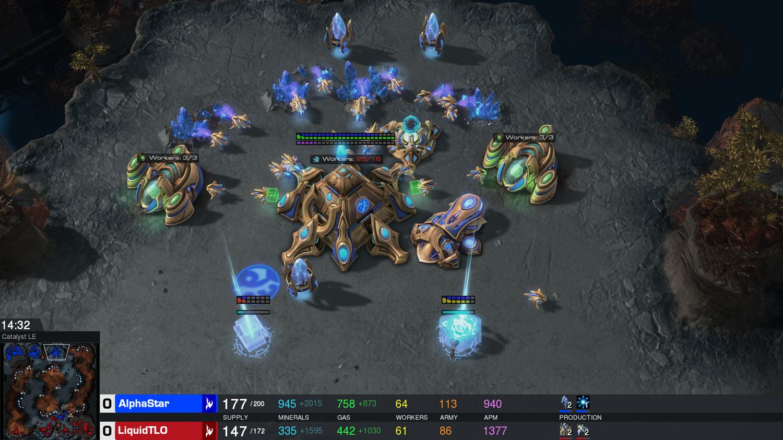 Игра в<i>StarCraft</i>— ИИ-агент против TLO из <i>TeamLiquid</i>.