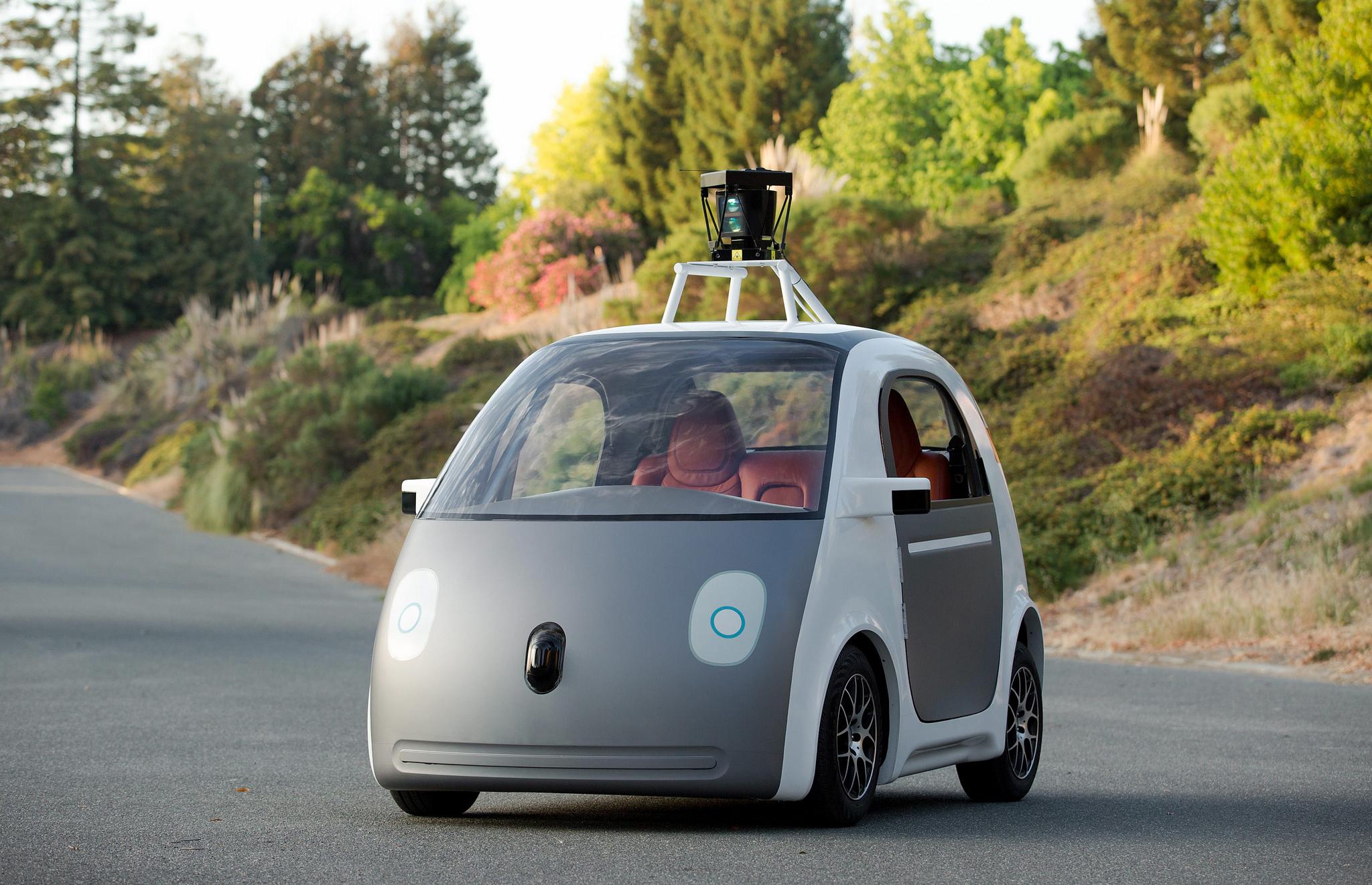 Автономным автомобилям требуется дополнительная тренировка для распознавания людей стёмной кожей.