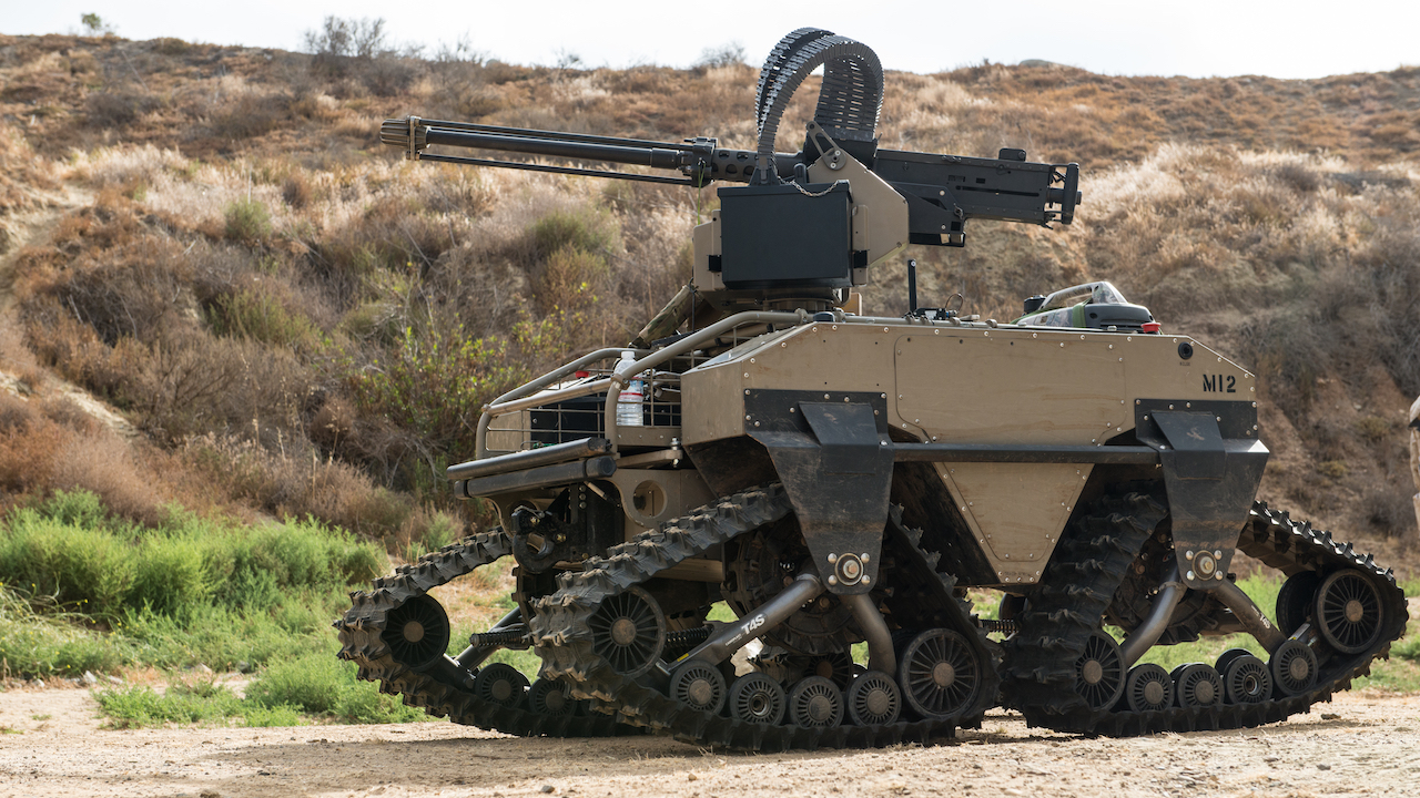 Прототип автономного робота-солдата.