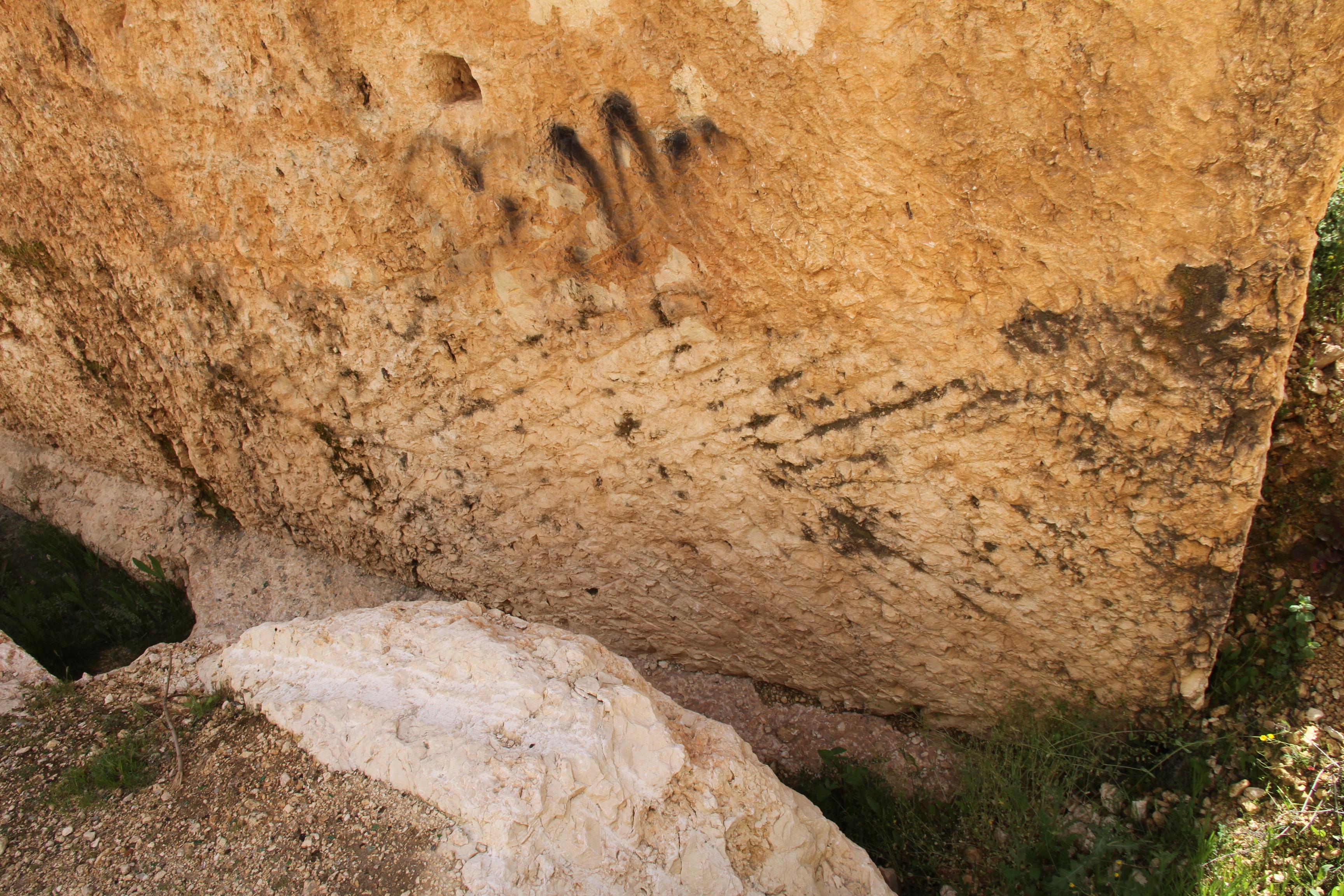 Следы кирок на«Южном камне» вБаальбеке