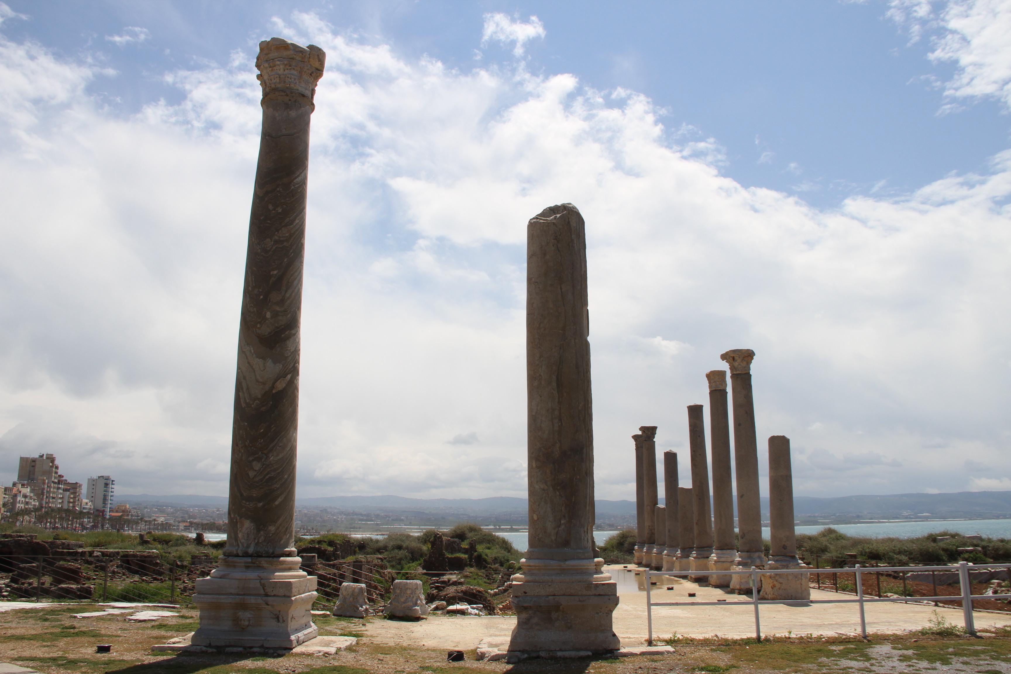 Римские колонны вТире