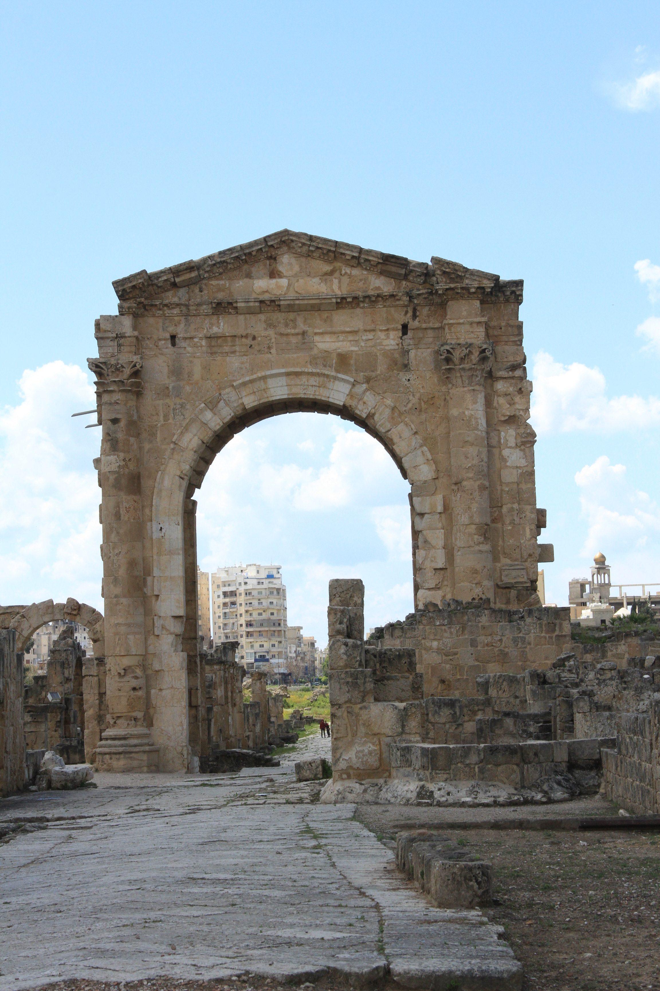 Триумфальная арка вТире