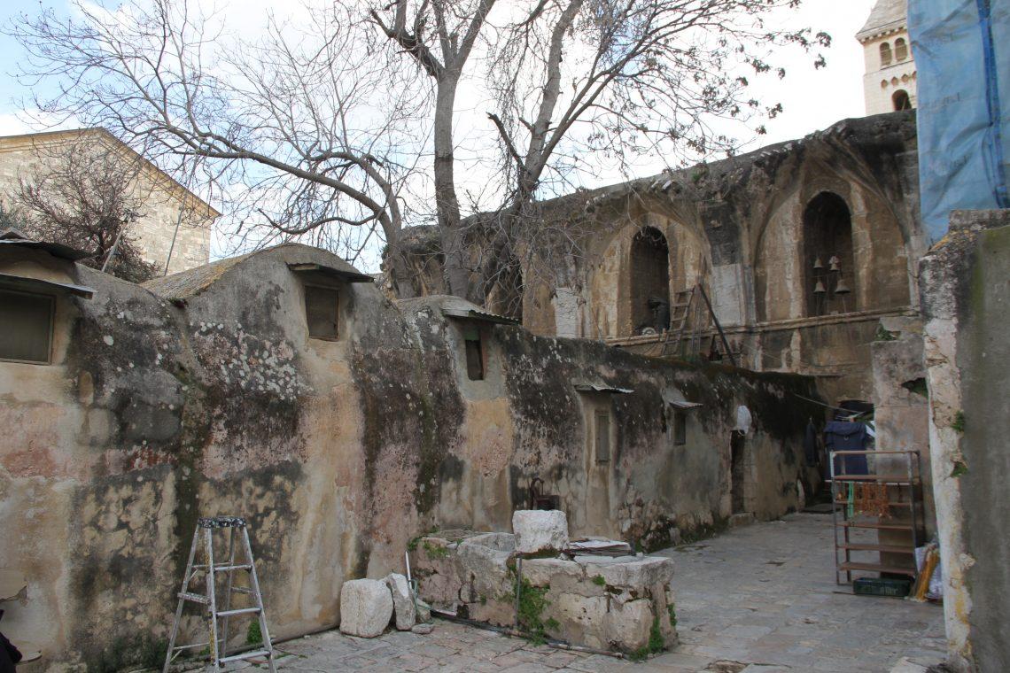 Иерусалим, христианская часть. Эфиопская церковь, кельи монахов