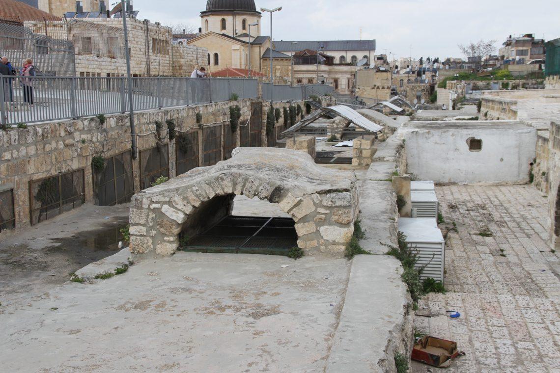 На иерусалимской крыше. Старый город, еврейский квартал.