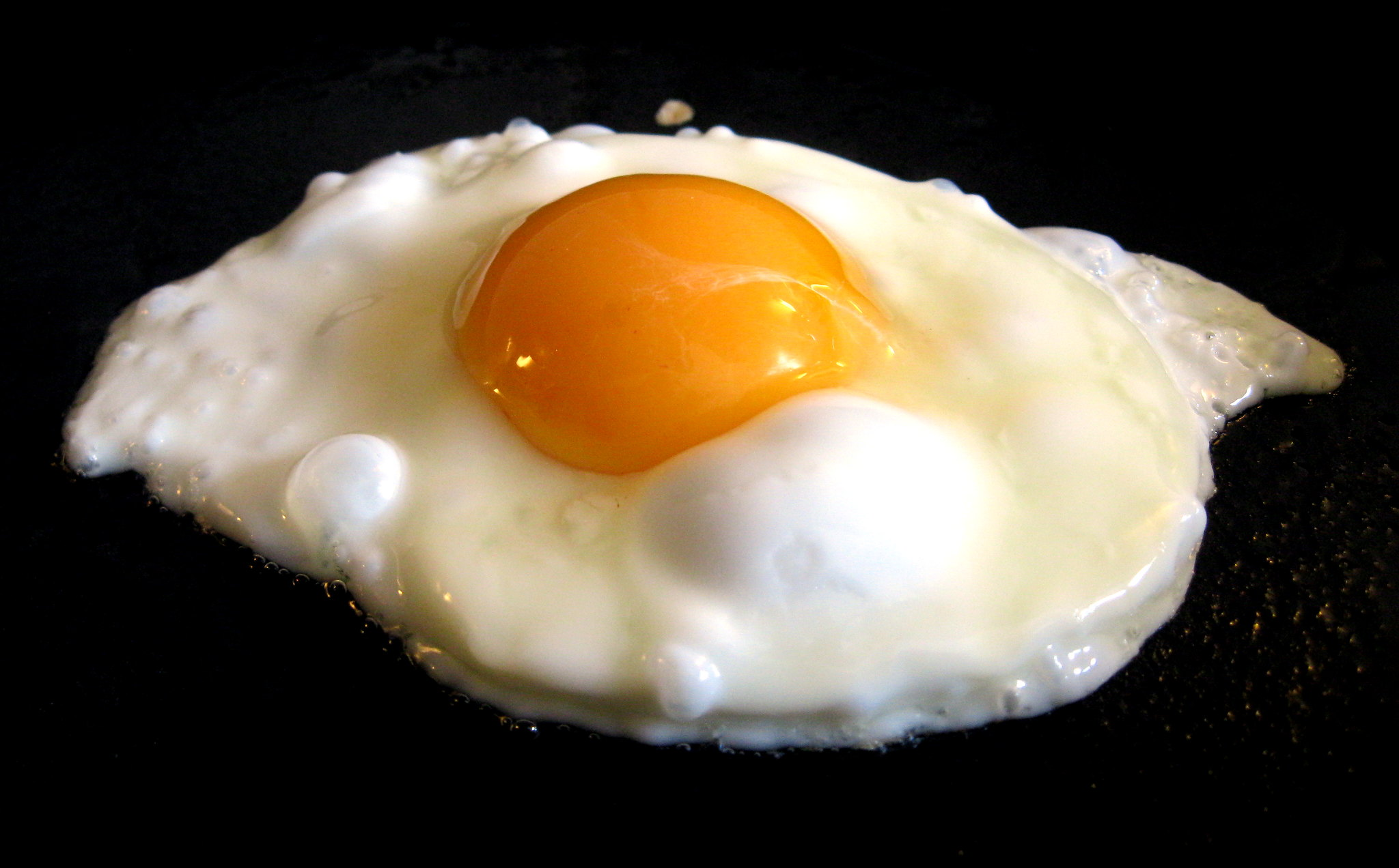 Учёные ненашли связи между умеренным употреблением яиц иинсультом.