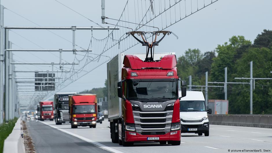 Первый немецкий электрический автобан.