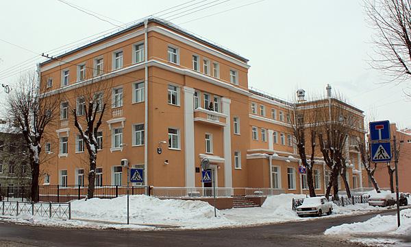 Изображение 1— Вид надва входа школы по Малой Разночинной.