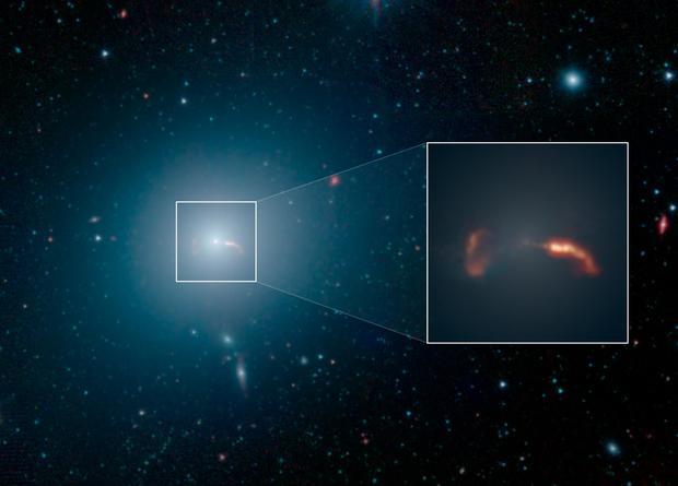 Массу чёрной дыры можно определить «на глаз»