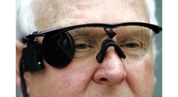 Argus II, «бионический глаз» (протез сетчатки), преемник Argus I,— первого когда либо испытанного протеза сетчатки глаза.