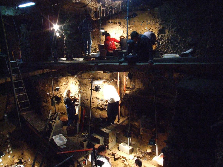 Пещера Складина вБельгии, где найдены знаменитые неандертальские останки. Сюда участников конференции возили наэкскурсии.