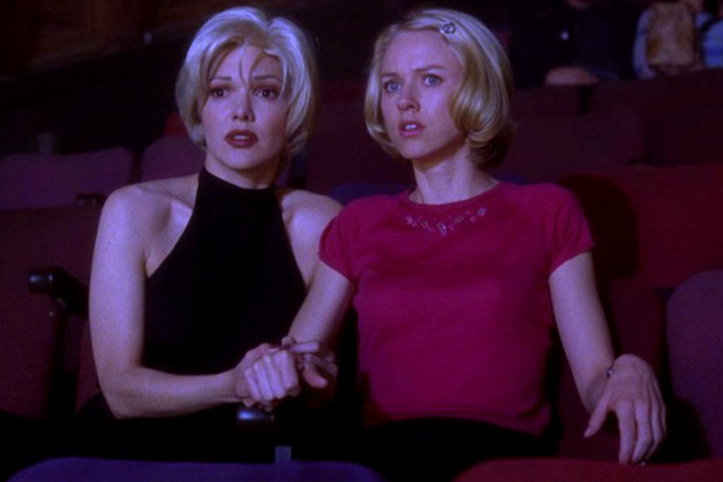 Ищите любимые фильмы втопе-100 от The Guardian. Скриншот: Малхолланд Драйв, 2001