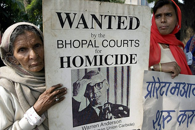 Demonstration of Bhopal gas victims in New  Delhi