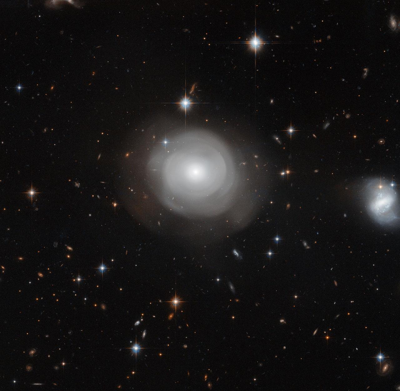 ESO 381-12 bloom galaxy