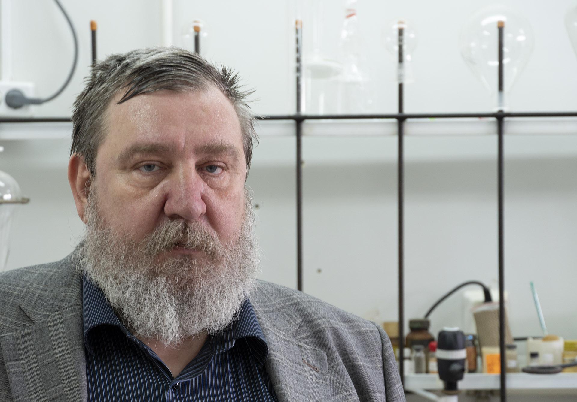 Профессор А.В. Аксёнов.