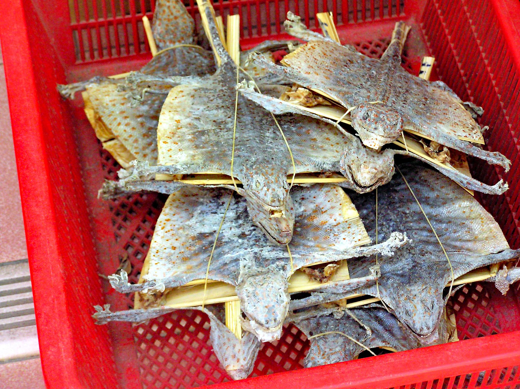 Сушёные ящерицы на«мокром рынке» вГонконге.