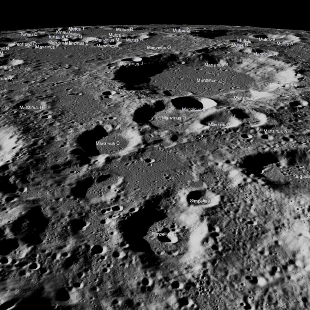 Рельеф поверхности Луны по данным спутника Chandrayaan-2. <i>ISRO</i>.