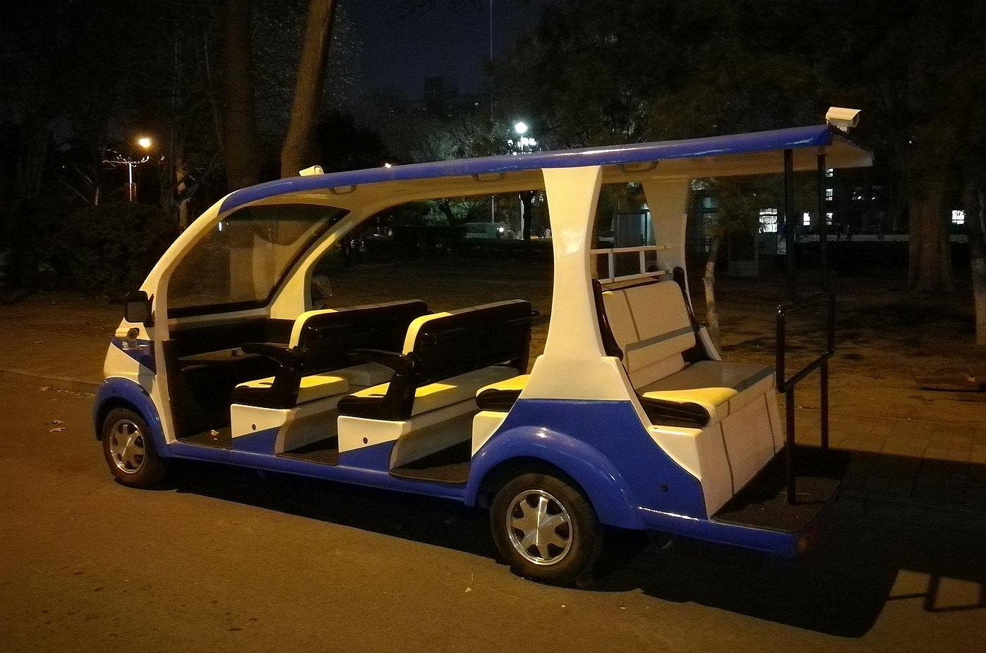 Первый беспилотный автомобиль для экскурсий, использующий 5G (Китай).