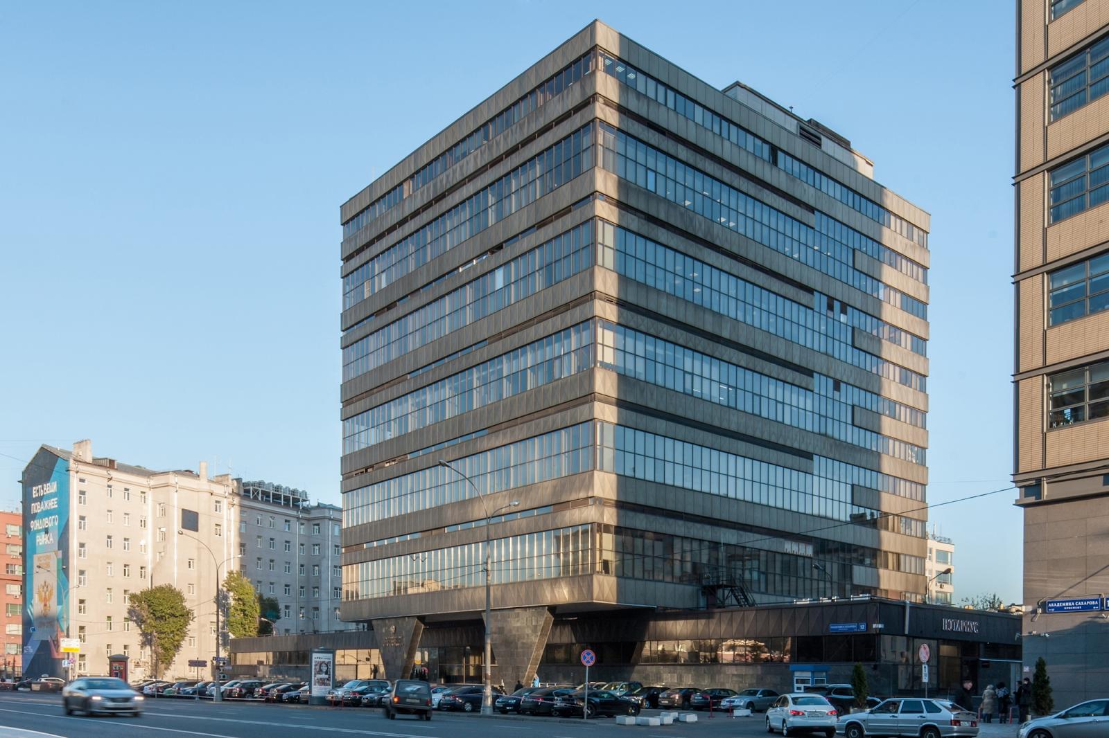Здание Главного вычислительного центра напроспекте Академика Сахарова.