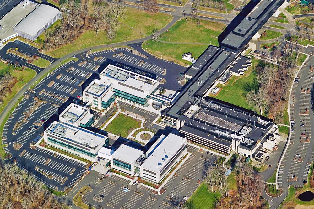 Кампус компании <i>Regeneron Pharmaceuticals</i>.