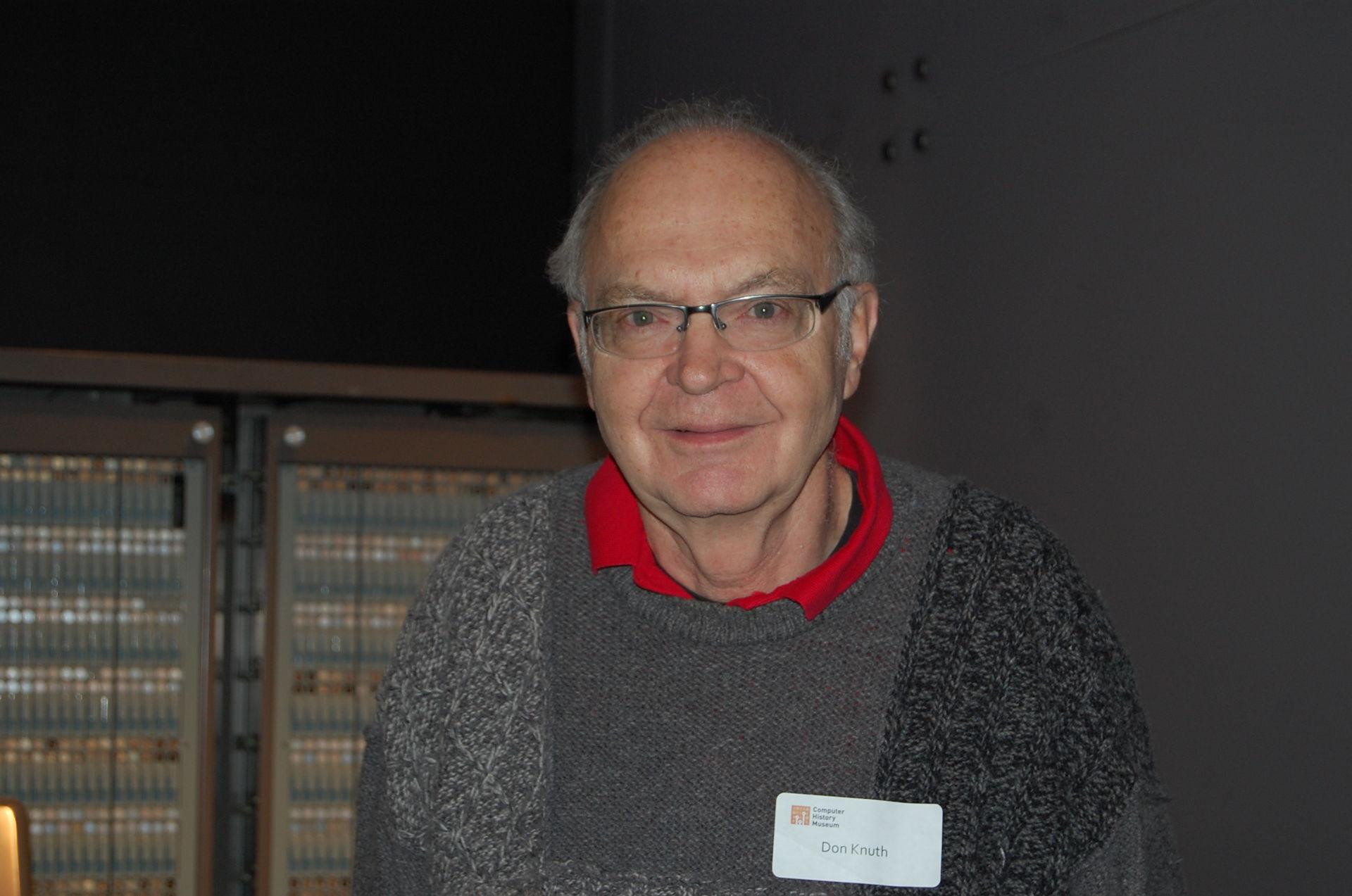 """Для одного из первых учёных-компьютерщиков Дональда Кнута хороший код— это синоним красивого выражения мыслей. / Фото— <a href=""""https://commons.wikimedia.org/wiki/File:Donald_Ervin_Knuth.jpg"""" rel=""""noopener"""" target=""""_blank"""">Alex Handy</a>."""