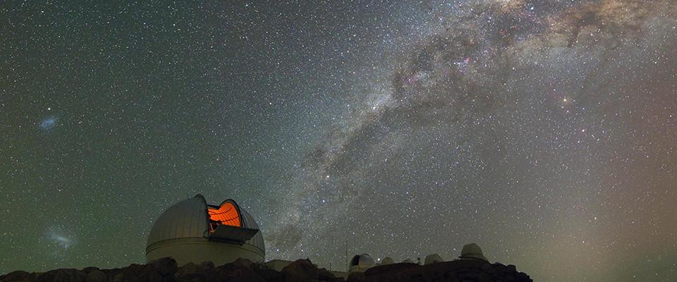 Один из телескопов для поиска гравитационных линз (KMTNet).