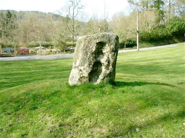 Carreg Pumsaint— «Камень пяти святых». Долавкоти, Уэльс.