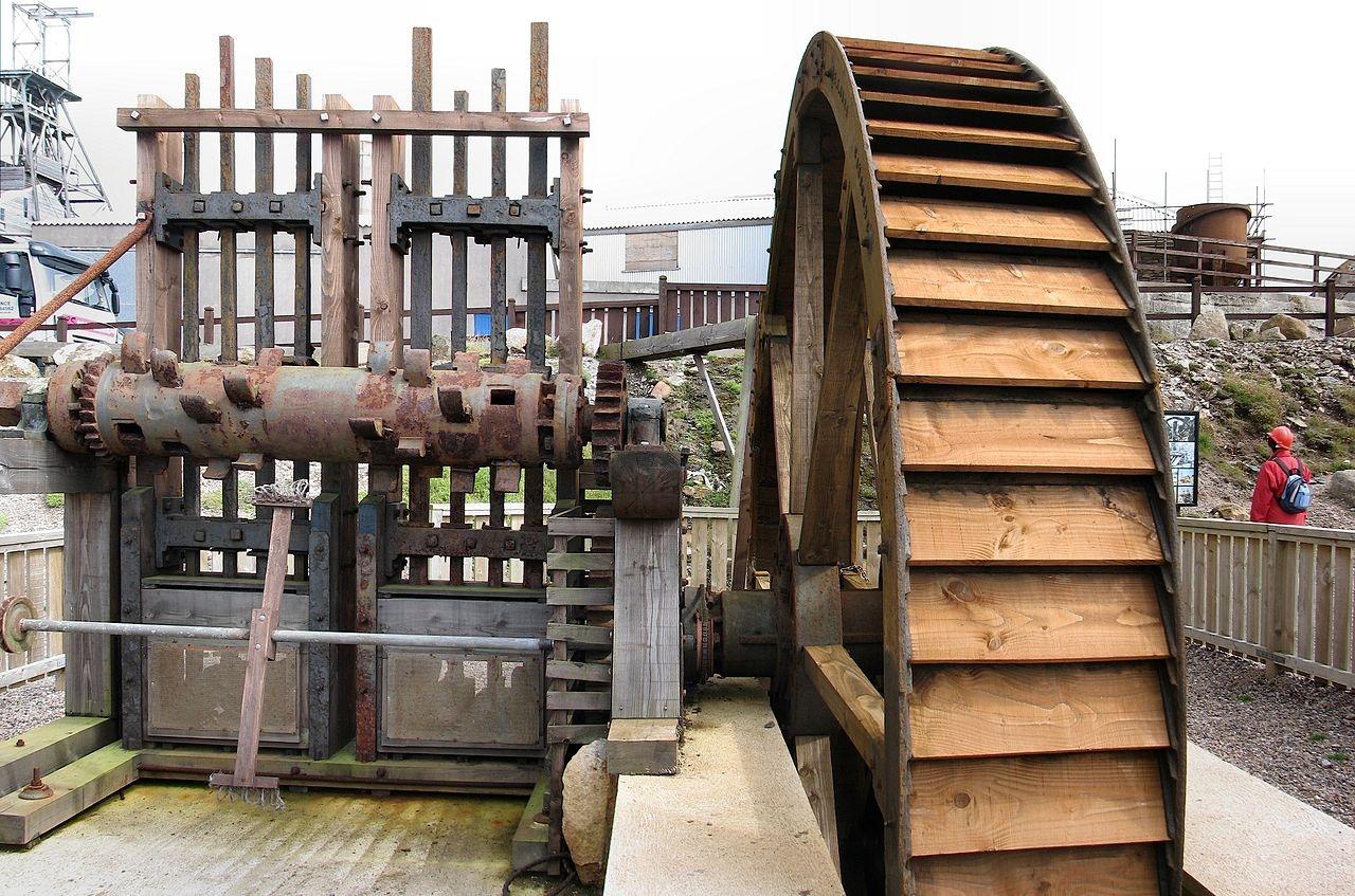 Реставрированная дробилка оловянной руды вКорнуолле, Англия, XIX в.